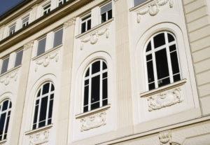 Stuckateur Bonn - Stuck Bonn an einer Hausfassade