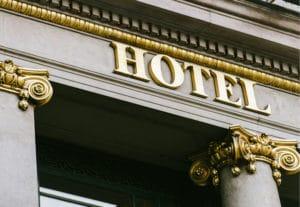 Stuckateur Bonn - Stuck Bonn an einem Hotel Eingang