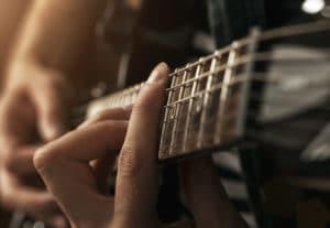 Schallschutz bei Trockenbau Bonn: Gitarre